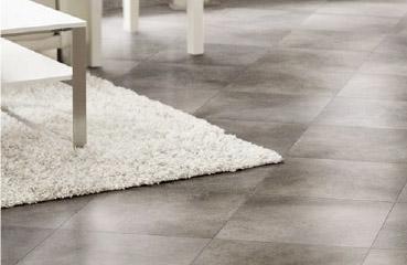 Mudahnya membersihkan lantai keramik, segera hub. kami jasa poles keramik Bekasi